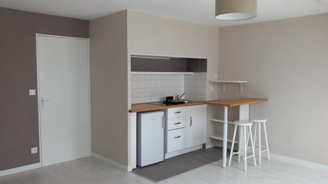 logement tudiant nantes 44 de particulier particulier. Black Bedroom Furniture Sets. Home Design Ideas