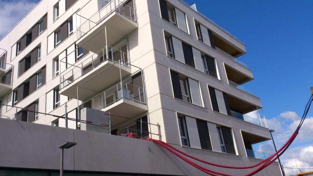 location d 39 appartement t3 de particulier nanterre 1222. Black Bedroom Furniture Sets. Home Design Ideas