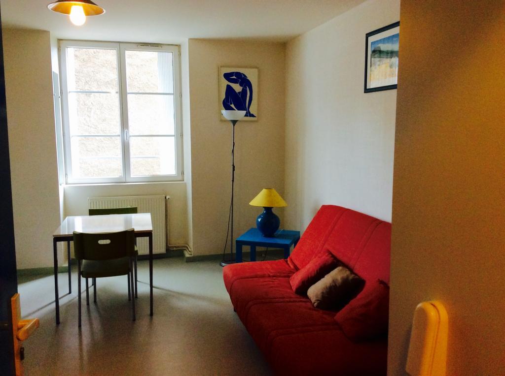 location de studio meubl sans frais d 39 agence nantes 410 20 m. Black Bedroom Furniture Sets. Home Design Ideas