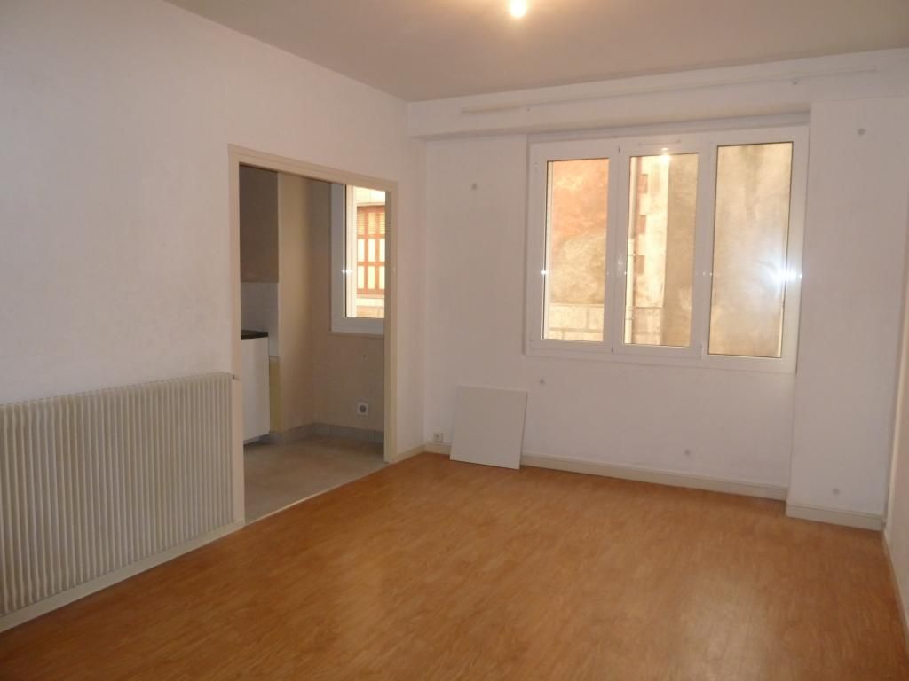Location de particulier à particulier, appartement, de 60m² à Sère-Lanso