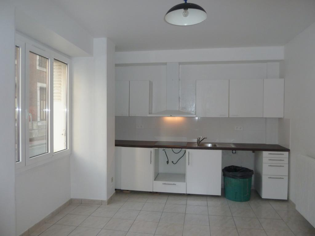 Location particulier à particulier, appartement à Sère-Lanso, 40m²