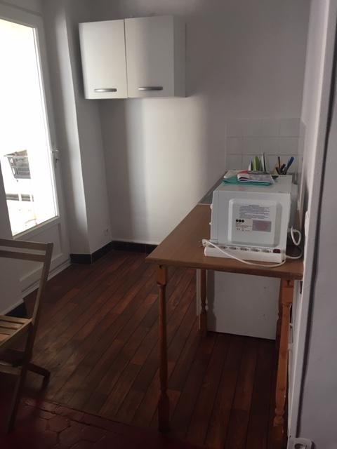 location de studio meubl sans frais d 39 agence marseille 13001 460 27 m. Black Bedroom Furniture Sets. Home Design Ideas
