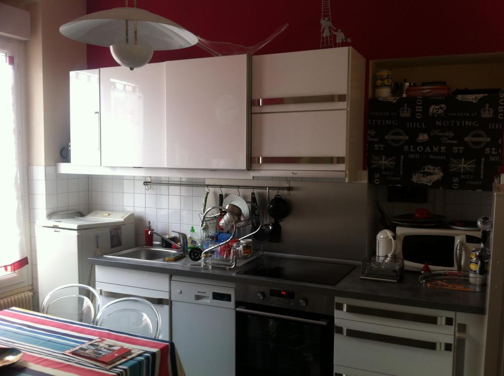 location d 39 appartement t1 meubl de particulier particulier montrouge 900 30 m. Black Bedroom Furniture Sets. Home Design Ideas