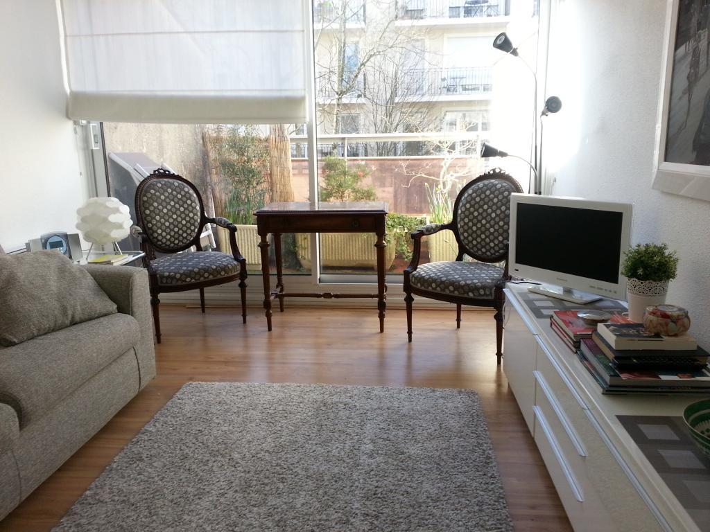 location de studio meubl de particulier particulier bordeaux 700 40 m. Black Bedroom Furniture Sets. Home Design Ideas