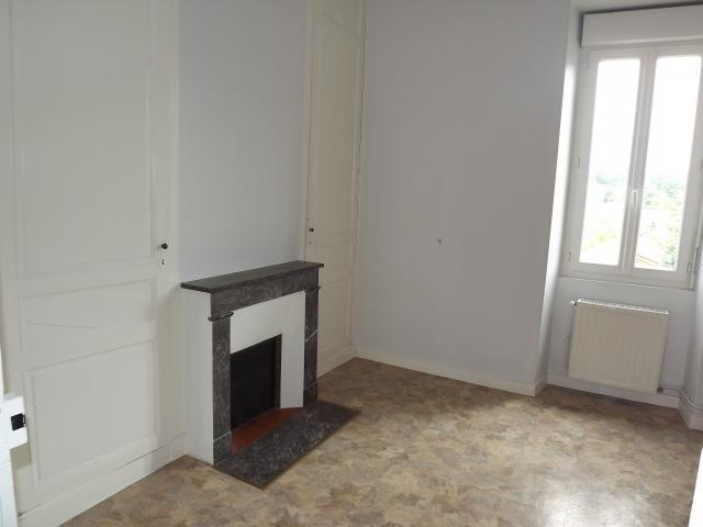 Location appartement T3 St Jean d'Angely - Photo 3