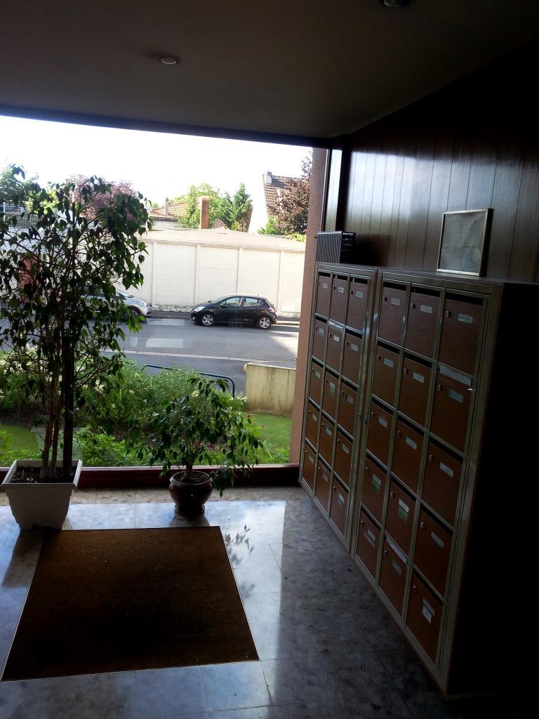 location d 39 appartement t4 de particulier rosny sous bois 1200 78 m. Black Bedroom Furniture Sets. Home Design Ideas
