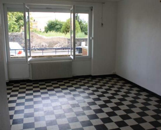 location de studio entre particuliers clermont ferrand 390 30 m. Black Bedroom Furniture Sets. Home Design Ideas