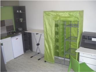 location de studio meubl de particulier particulier la roche sur yon 280 17 m. Black Bedroom Furniture Sets. Home Design Ideas