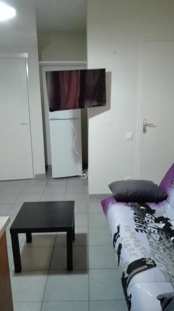 Location appartement T2 Vias - Photo 1