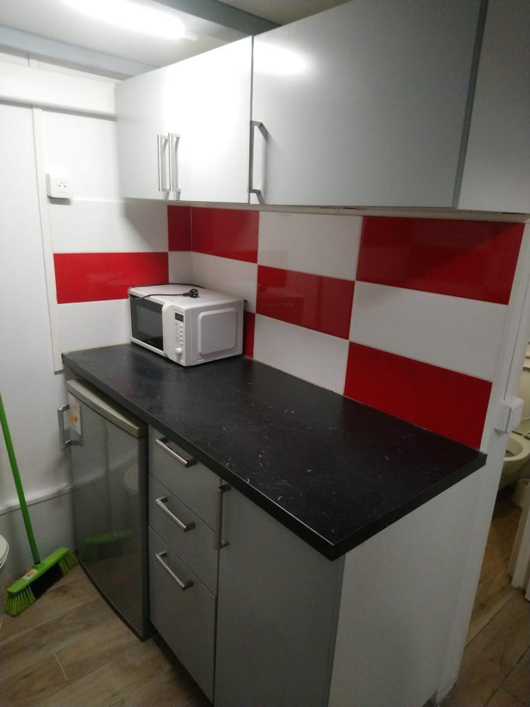 Chambre de 9m2 louer sur paris 15 location appartement for Chambre a louer sur paris