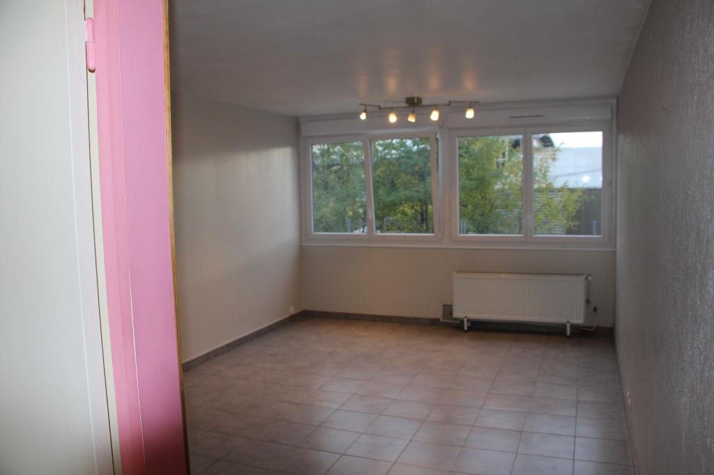 Location immobilière par particulier, Dardilly, type studio, 30m²