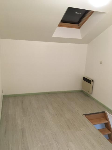 location de studio de particulier reims 415 20 m. Black Bedroom Furniture Sets. Home Design Ideas