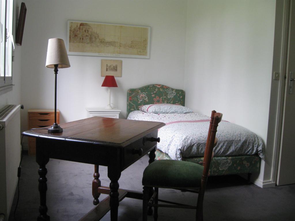 Location immobilière par particulier, Mont-Saint-Aignan, type chambre, 12m²