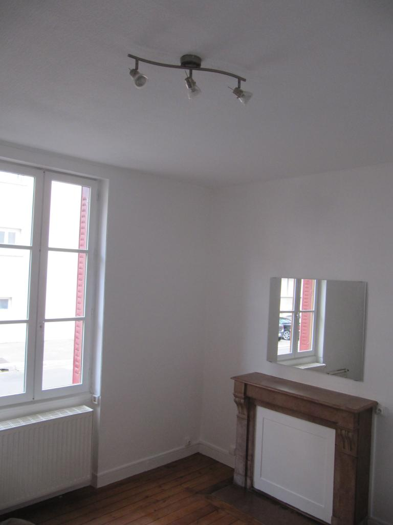Location d 39 appartement t2 de particulier particulier for Carrelage bourg en bresse