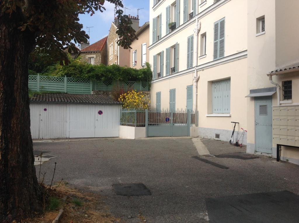 Appartement particulier à Clamart, %type de 20m²