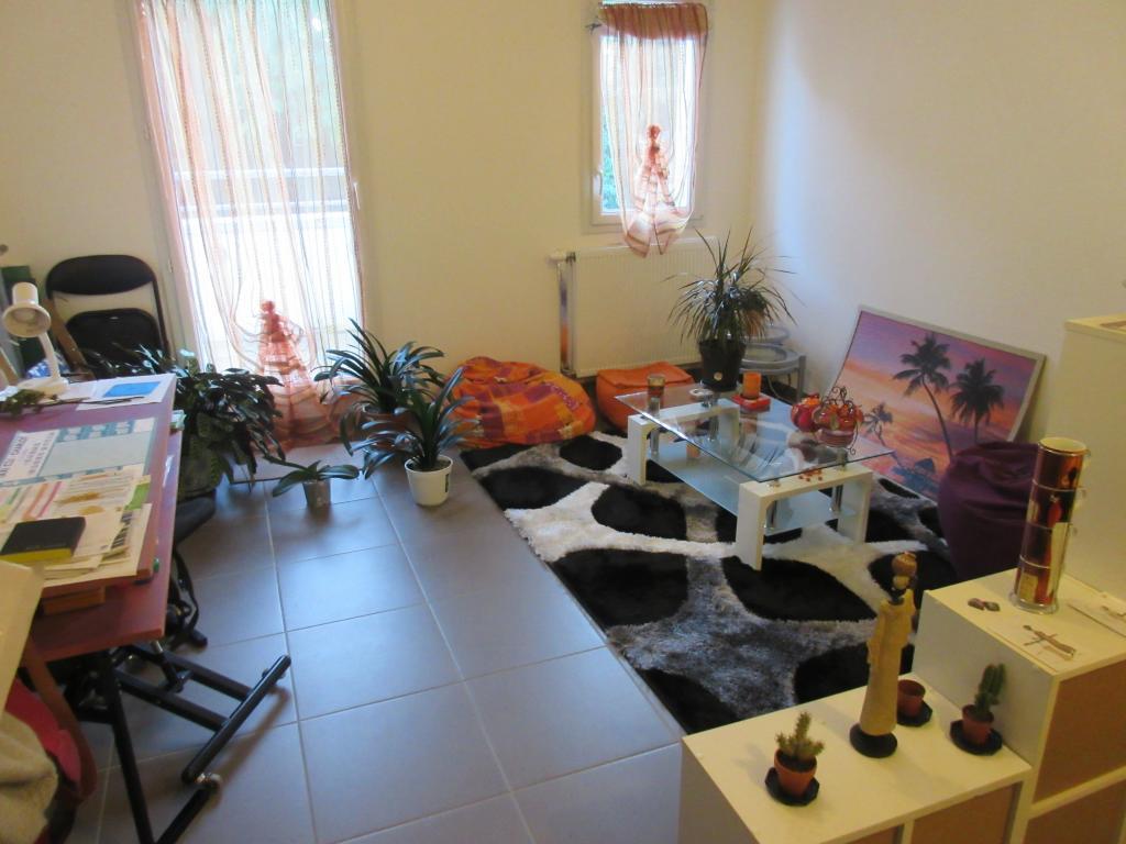 location d 39 appartement t2 de particulier brest 495 44 m. Black Bedroom Furniture Sets. Home Design Ideas