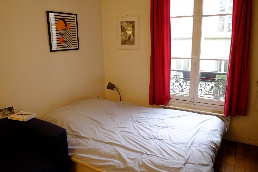 location d 39 appartement t3 meubl de particulier paris 75005 1900 50 m. Black Bedroom Furniture Sets. Home Design Ideas