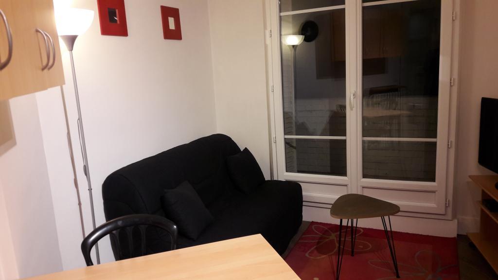 location d 39 appartement t2 meubl de particulier paris 75020 1020 34 m. Black Bedroom Furniture Sets. Home Design Ideas