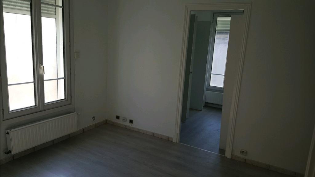 location d 39 appartement t2 meubl de particulier particulier taverny 759 37 m. Black Bedroom Furniture Sets. Home Design Ideas