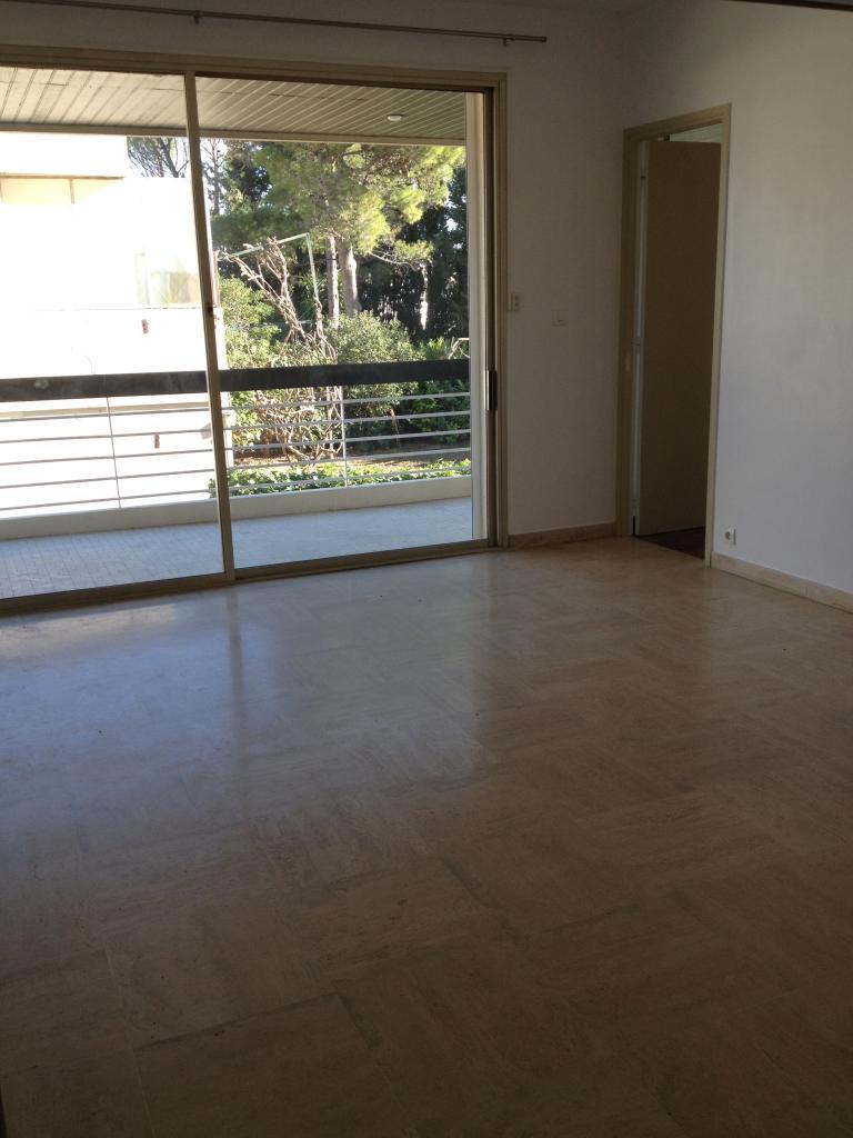 location d 39 appartement t1 de particulier montpellier 500 33 m. Black Bedroom Furniture Sets. Home Design Ideas