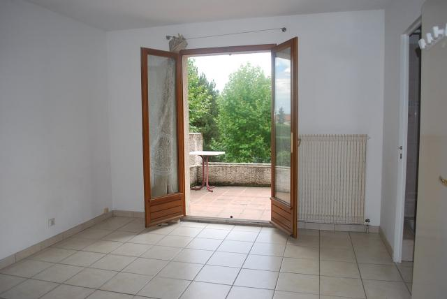 Location appartement T1 Sain Bel - Photo 3