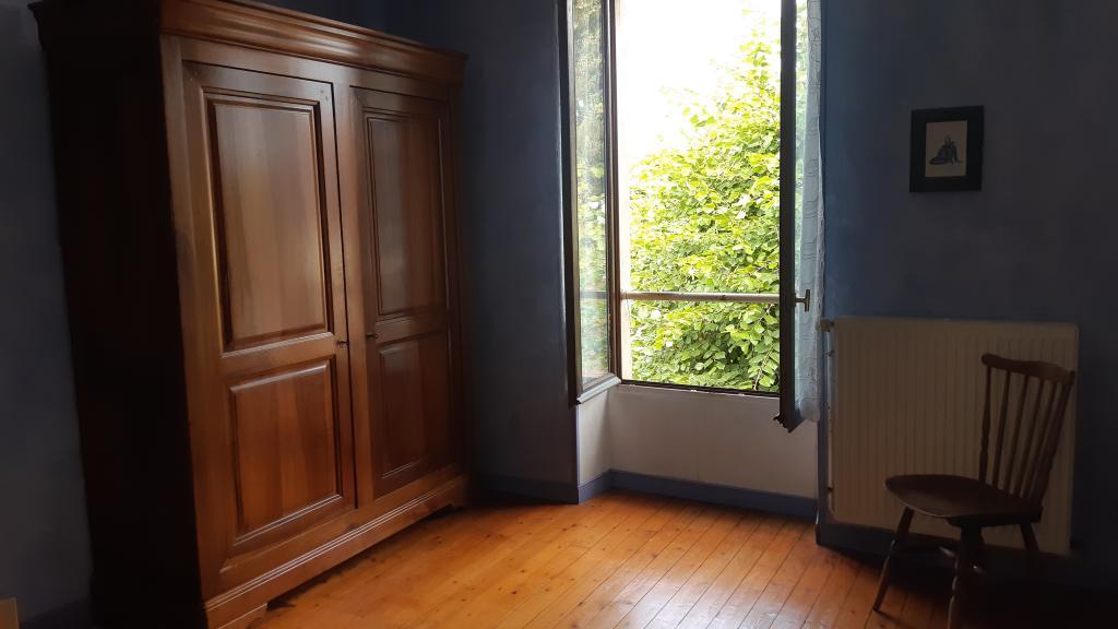 De particulier à particulier , chambre, de 15m² à Vert-Saint-Denis