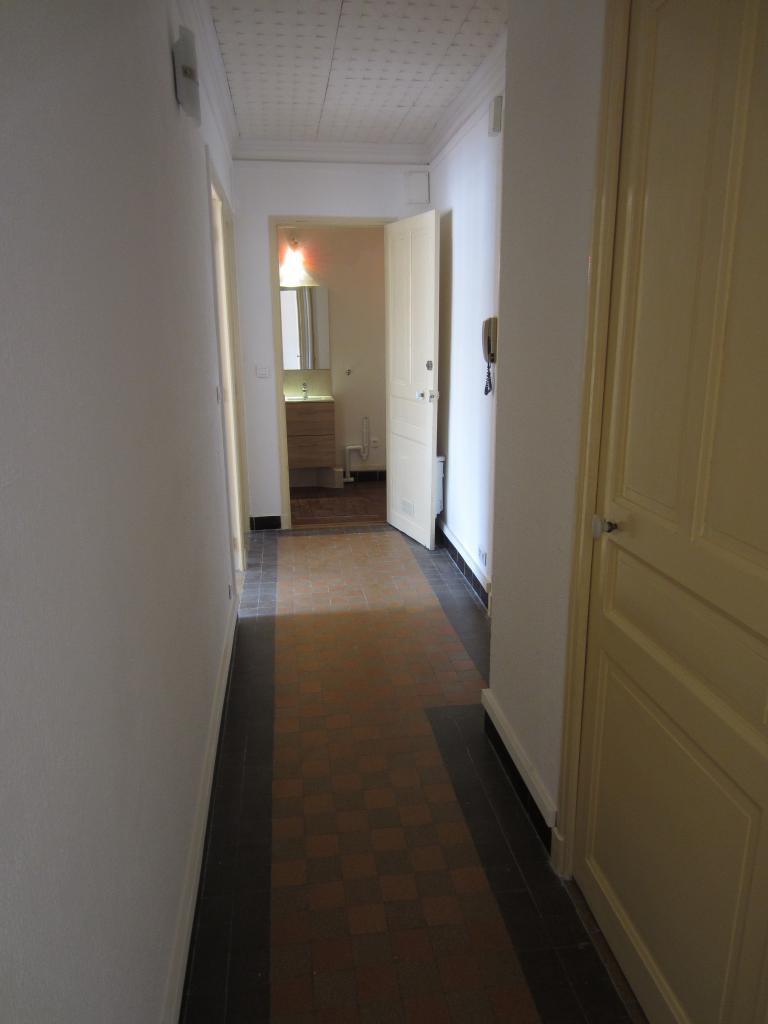 Location d 39 appartement t2 de particulier toulon 600 - Location studio meuble toulon particulier ...