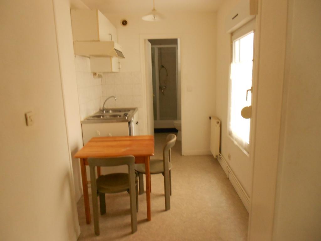 location d 39 appartement t1 de particulier particulier reims 395 23 m. Black Bedroom Furniture Sets. Home Design Ideas