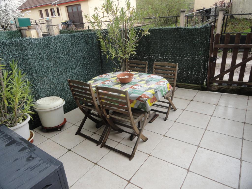 location d 39 appartement t3 sans frais d 39 agence chalon sur. Black Bedroom Furniture Sets. Home Design Ideas
