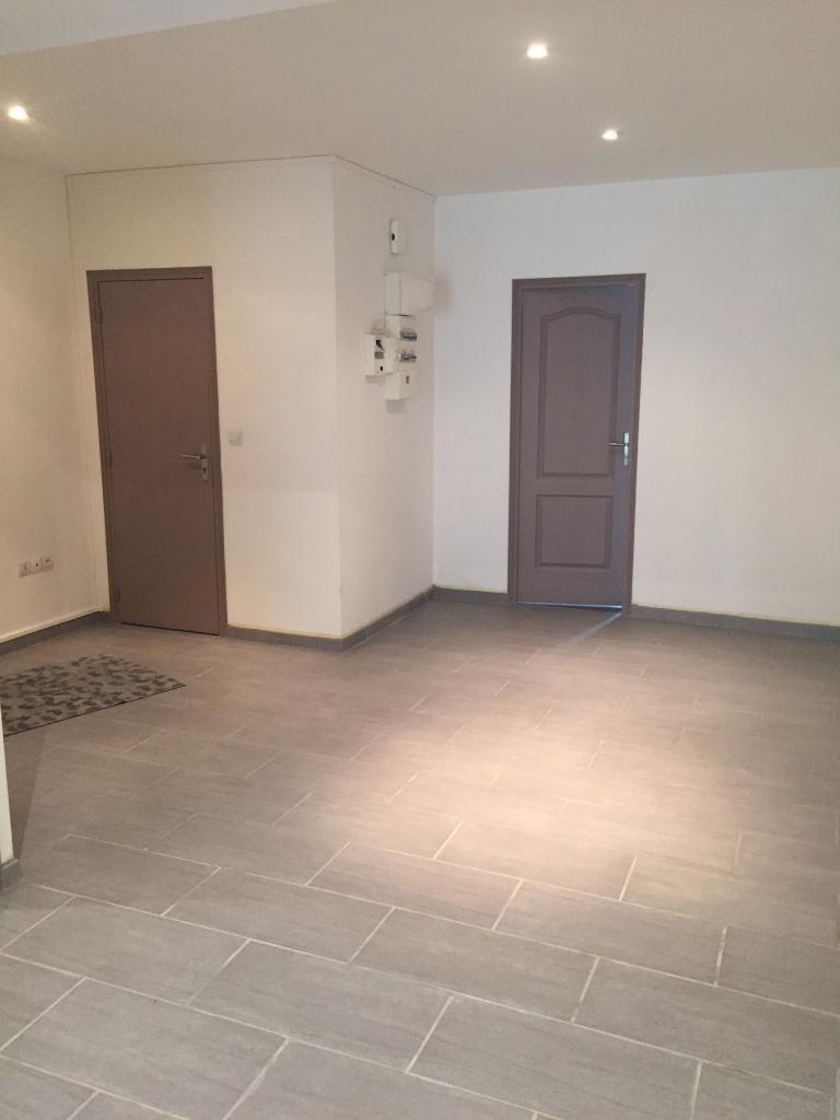 location d 39 appartement t3 de particulier particulier lille 782 53 m. Black Bedroom Furniture Sets. Home Design Ideas