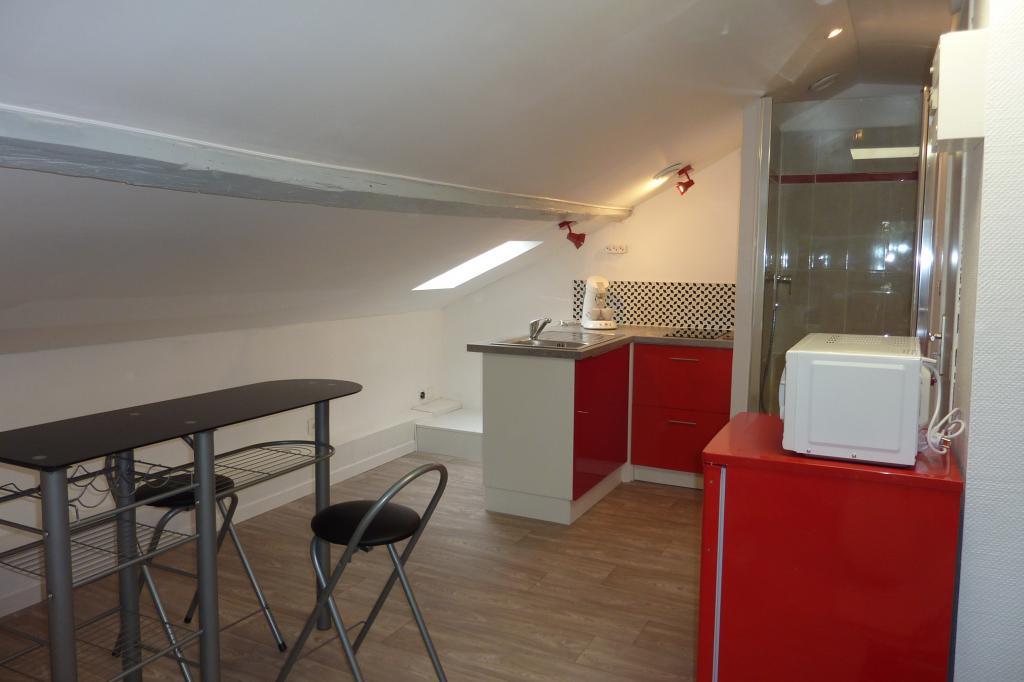location de studio meubl sans frais d 39 agence valenciennes 442 25 m. Black Bedroom Furniture Sets. Home Design Ideas