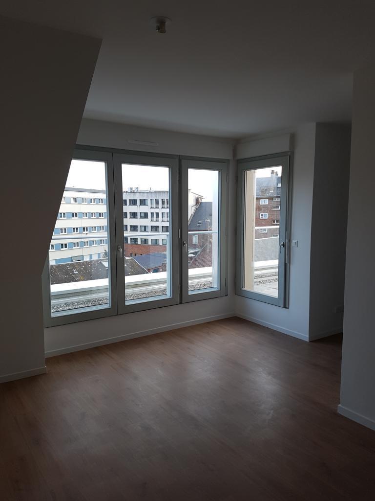location d 39 appartement t2 entre particuliers amiens 450 31 m. Black Bedroom Furniture Sets. Home Design Ideas