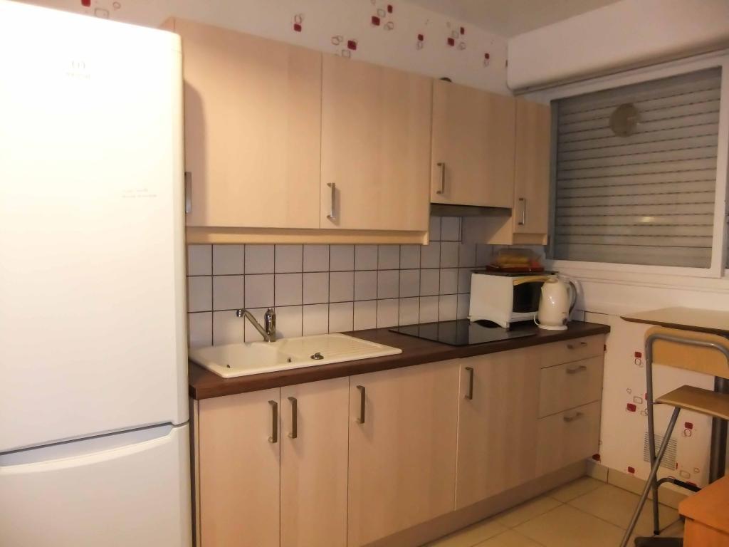 location d 39 appartement t2 de particulier reims 580 50 m. Black Bedroom Furniture Sets. Home Design Ideas