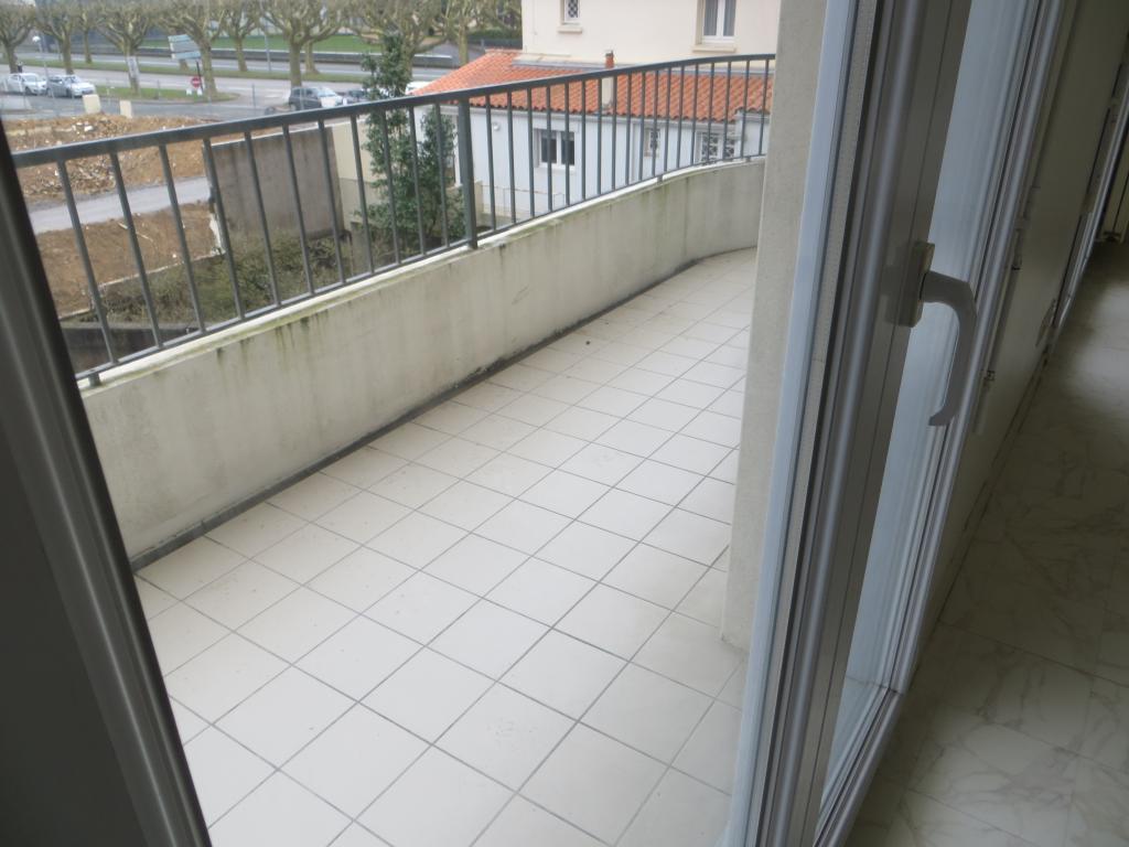 Location d 39 appartement t1 de particulier particulier la roche sur yon 430 46 m - Location chambre la roche sur yon ...