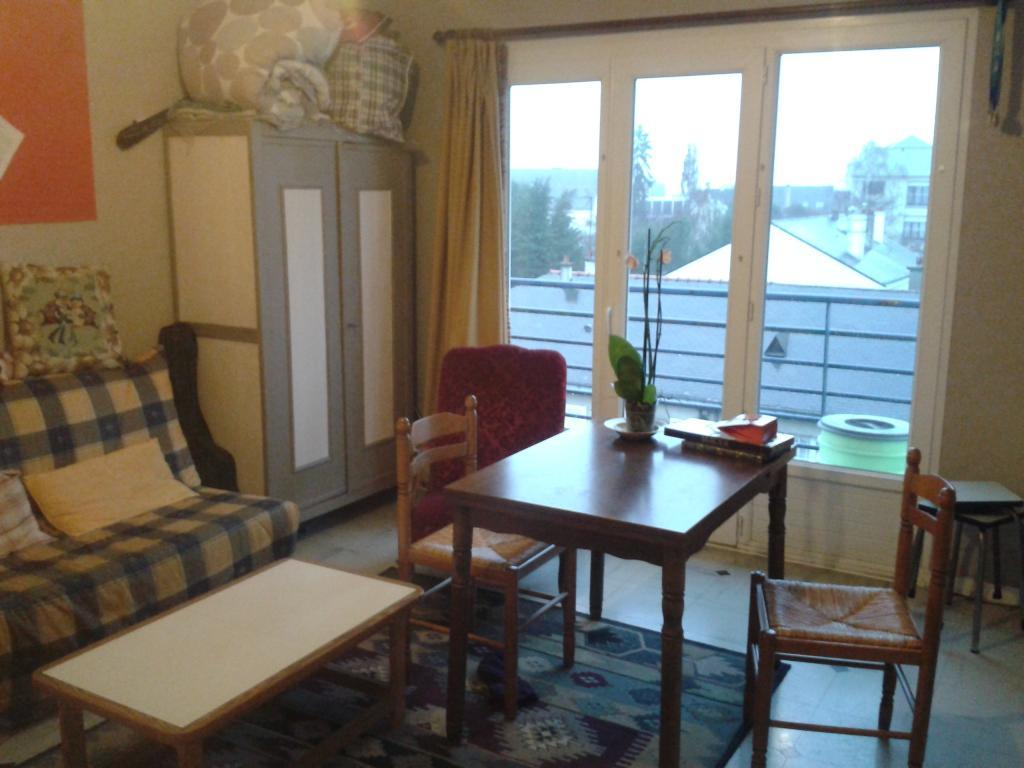 location de studio de particulier angers 350 37 m. Black Bedroom Furniture Sets. Home Design Ideas