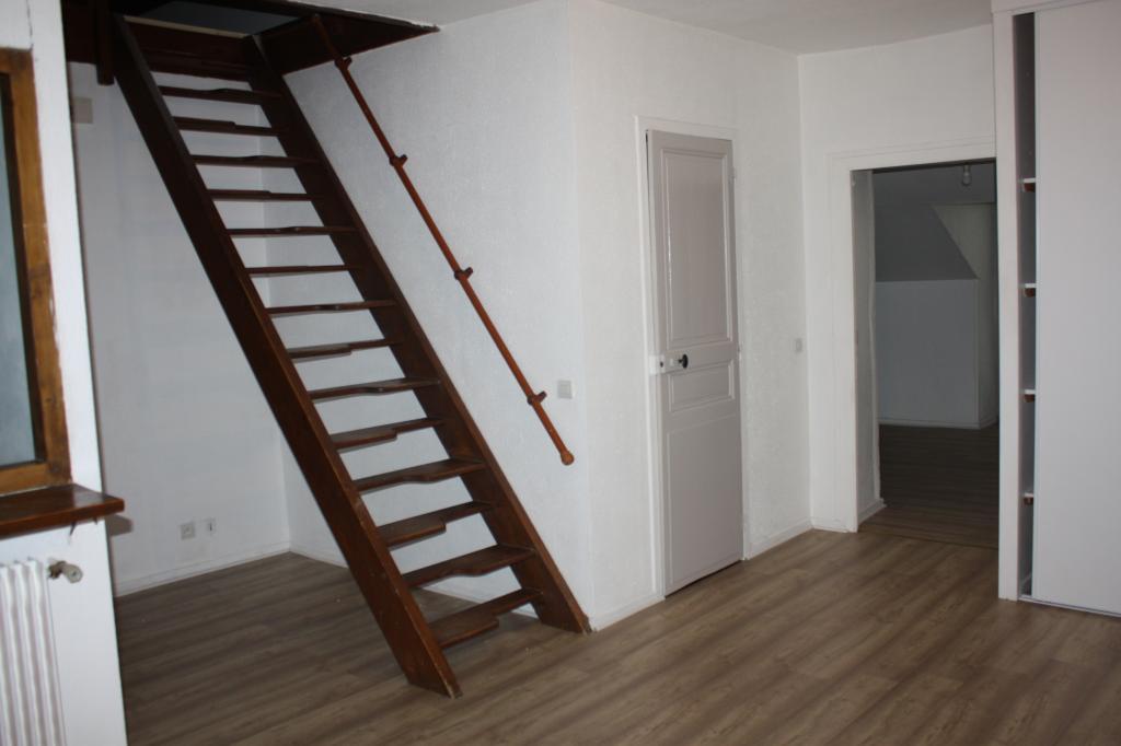 Location d 39 appartement t2 entre particuliers pau 450 for Location bureau pau 64