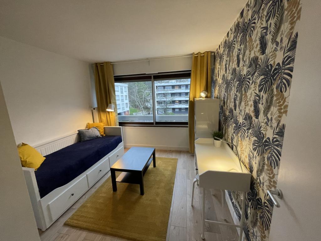 Location de studio meubl entre particuliers chatenay - Location studio meuble toulon particulier ...