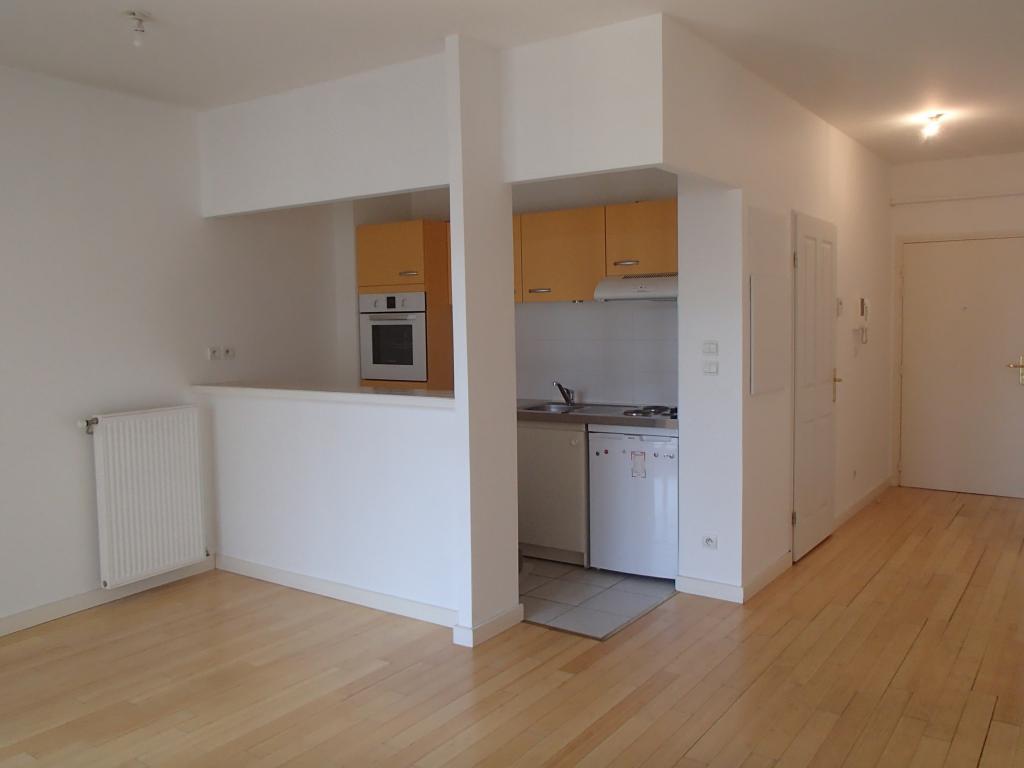 location d 39 appartement t1 entre particuliers lyon. Black Bedroom Furniture Sets. Home Design Ideas