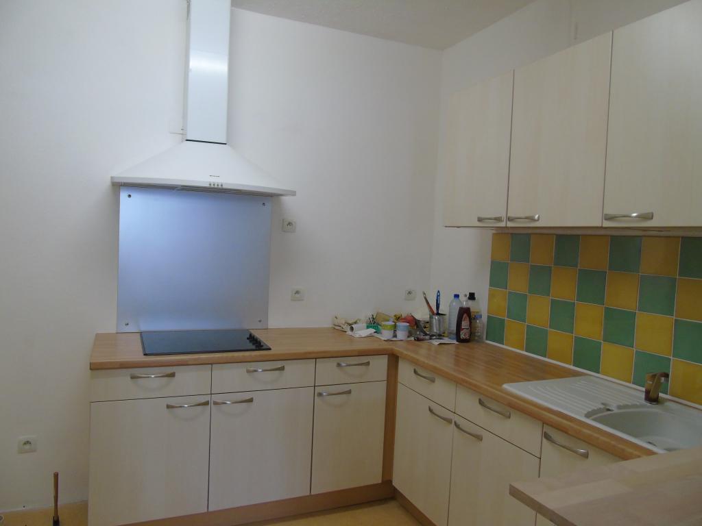 Location d 39 appartement t2 sans frais d 39 agence perpignan for Cuisine 66 perpignan