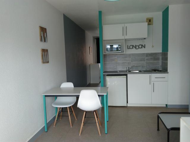 Studio Meublé à Louer à St Etienne - 390 U20acSt Etienne - 42000