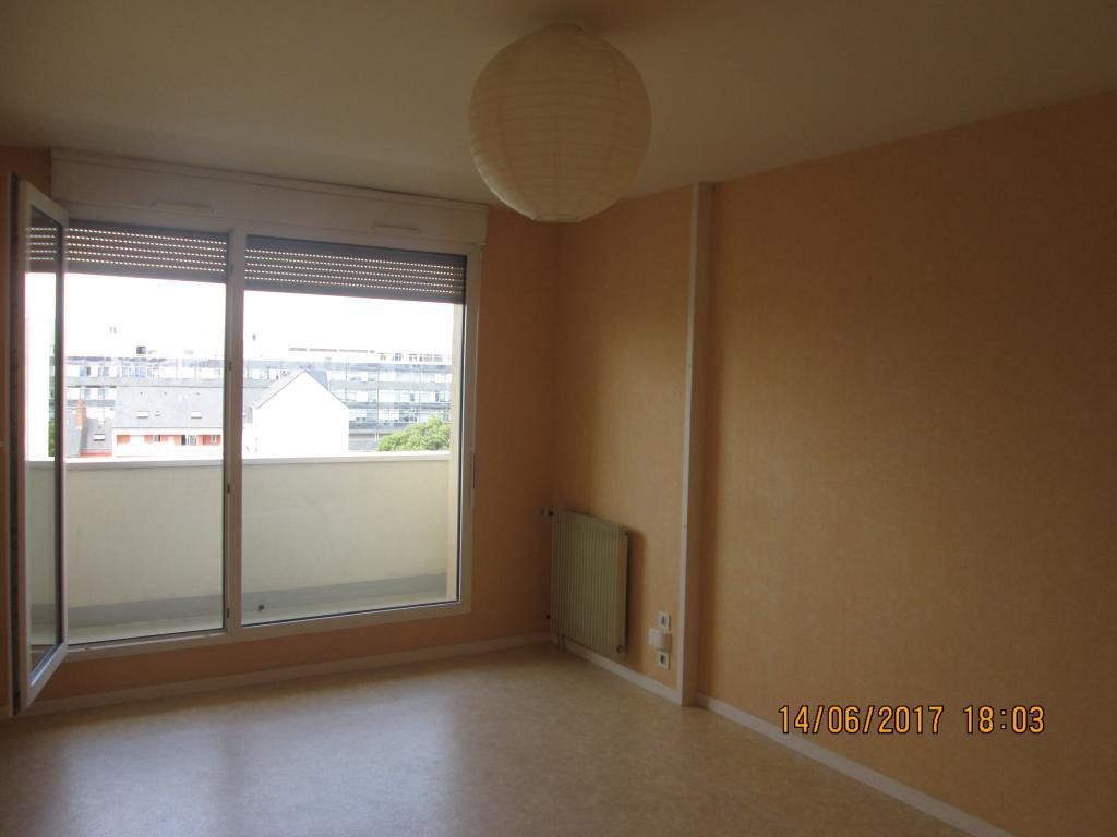 location d 39 appartement t2 de particulier rennes 620 50 m. Black Bedroom Furniture Sets. Home Design Ideas