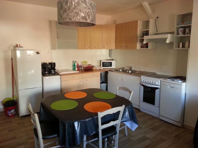 Appartement Meublé à Louer à St Etienne   560 U20ac