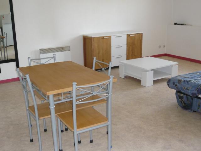 location appartement bourgoin jallieu de particulier particulier. Black Bedroom Furniture Sets. Home Design Ideas
