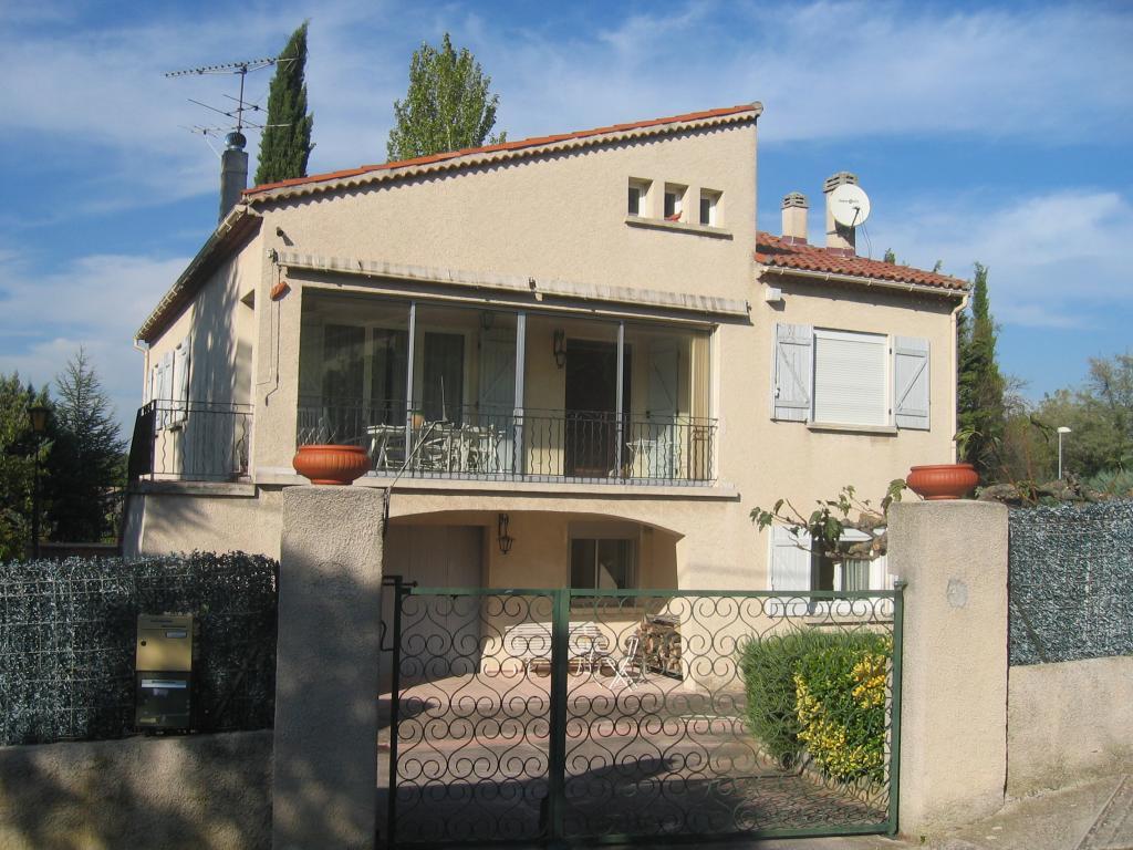Appartement particulier, maison, de 145m² à Bouc-Bel-Air