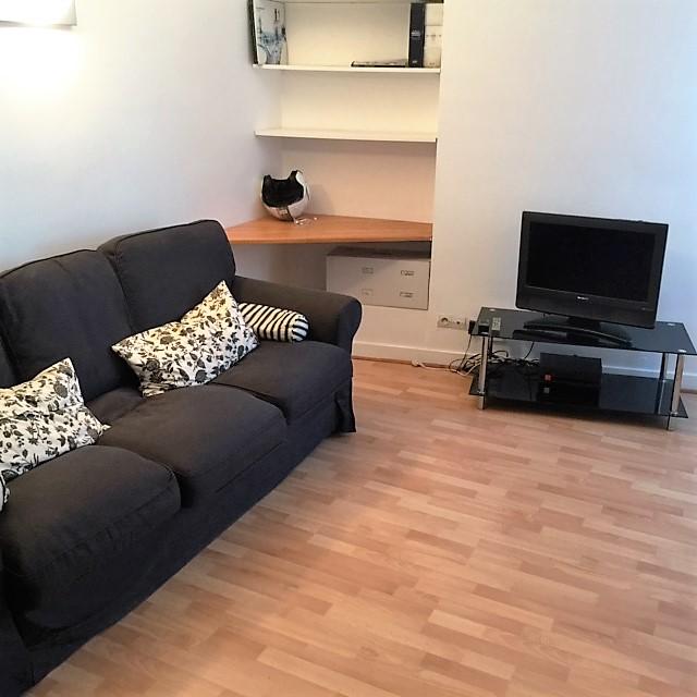 location de studio meubl de particulier paris 75011 1090 26 m. Black Bedroom Furniture Sets. Home Design Ideas