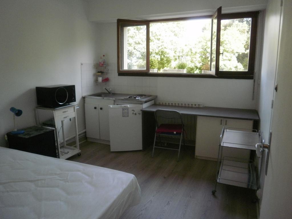 Location de particulier à particulier à Marseille 09, appartement chambre de 12m²