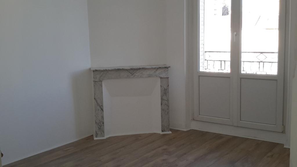 location d 39 appartement t3 de particulier marseille 13005 850 68 m. Black Bedroom Furniture Sets. Home Design Ideas