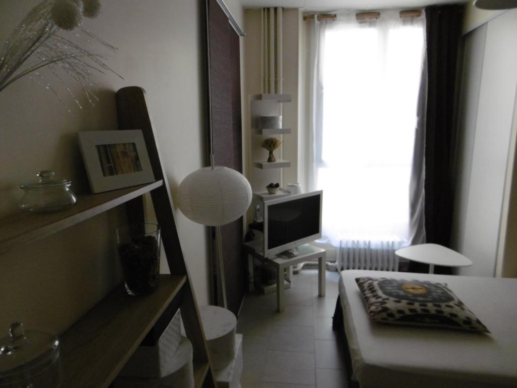 Location particulier, chambre, de 10m² à Paris 01