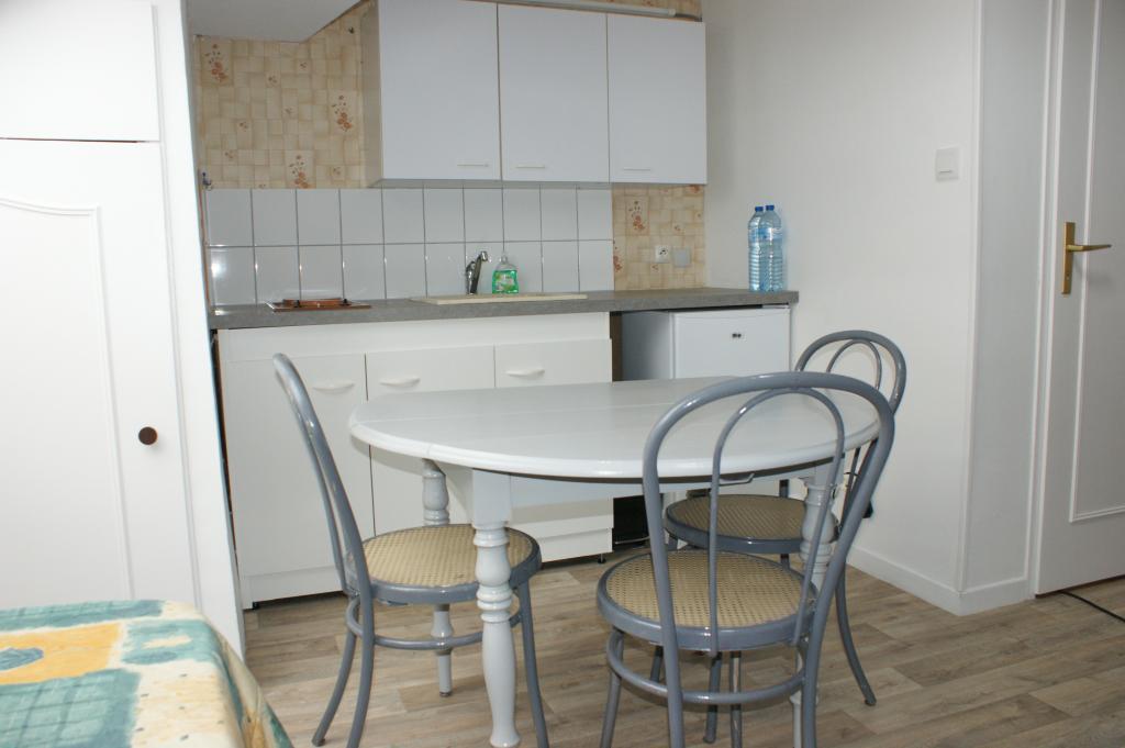 Location de studio meubl de particulier nancy 305 for Location meuble nancy