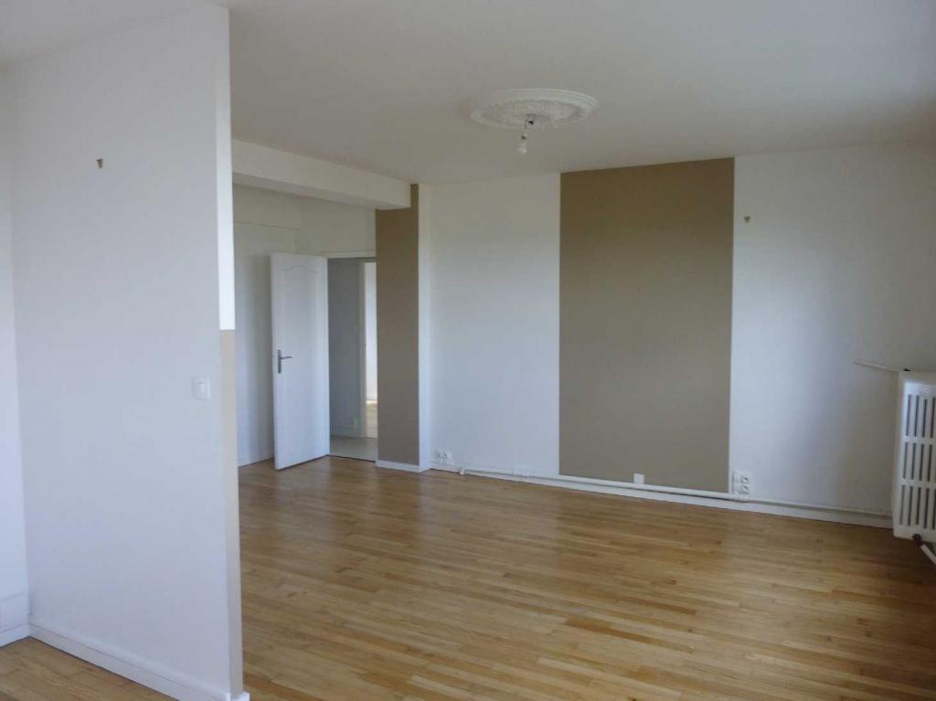 location d 39 appartement t3 entre particuliers poitiers 600 65 m. Black Bedroom Furniture Sets. Home Design Ideas
